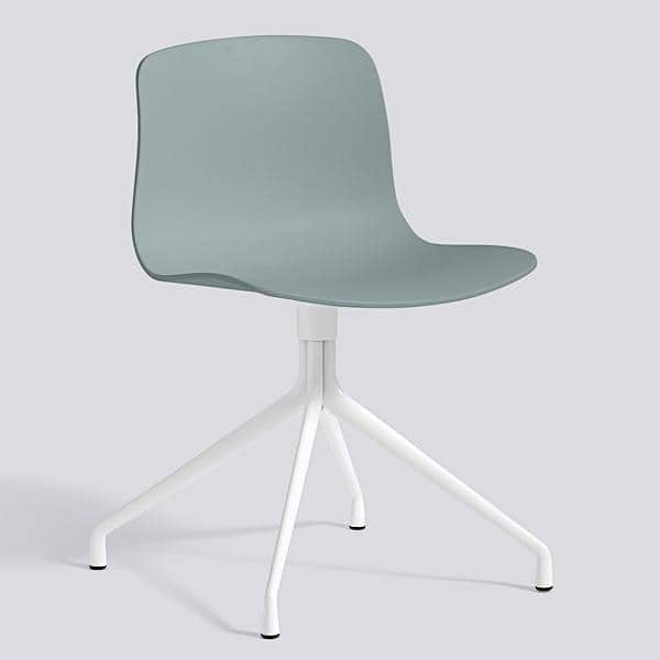 La chaise About a Chair par HAY - réf. AAC10 et AAC10 DUO - assise en polypropylène, piétement en aluminium - l'art du design nordique