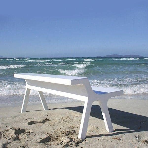 STEP Bench is out of injected polyurethane, ultra-resistant