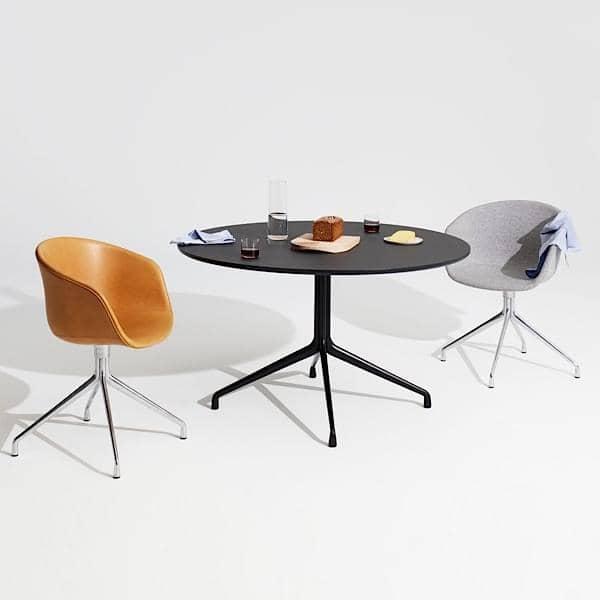 AAT20 mesa redonda de comedor, madera contrachapada, patas de aluminio, HAY.