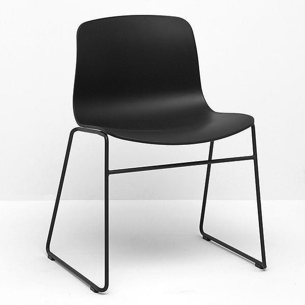 La chaise About a Chair par HAY - réf. AAC08 et AAC08 DUO - assise en polypropylène, piétement en acier inoxydable