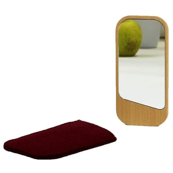 Clin d'oeil, miroir de poche, hêtre massif, verre et laine de mouton, design éco-responsable