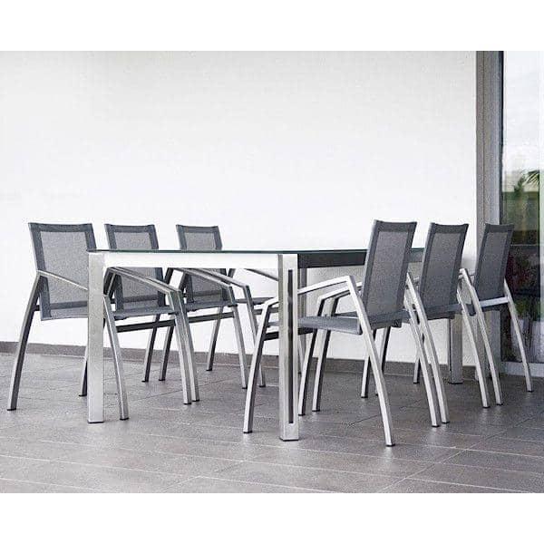 ARIA طاولات الطعام أو طاولة القهوة، HPL نسخة، من خلال TODUS ، خيار كبير من أبعاد وخطوط قوية ونظيفة: مثالية للاستخدام على الشرفة أو في غرفة المعيشة