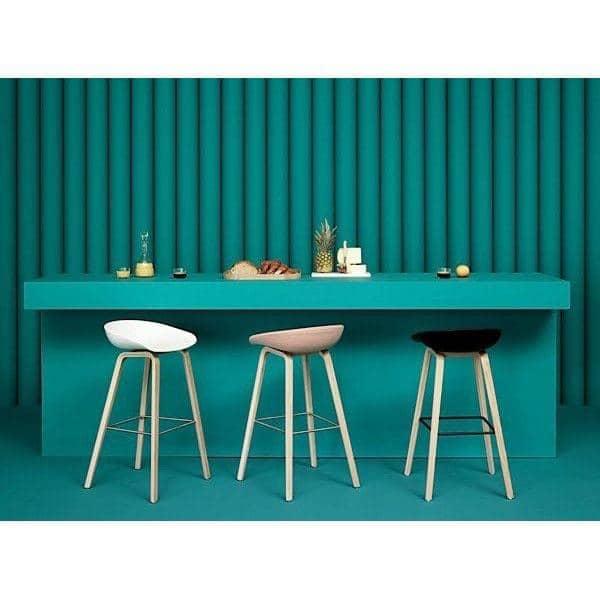 ABOUT A STOOL, stool bar de HAY - ref. AAS32 - Base de madera, carcasa de polipropileno - HEE WELLING y HAY