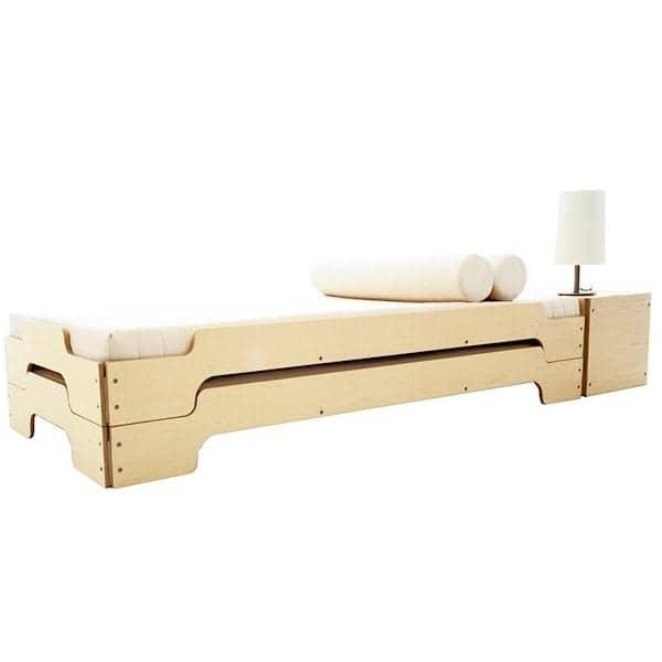 Stapelbare Liege STACK von ROLF HEIDE seit 1967, ein zeitloses Konzept, extrem Komfort und eine reine und moderne Linie.