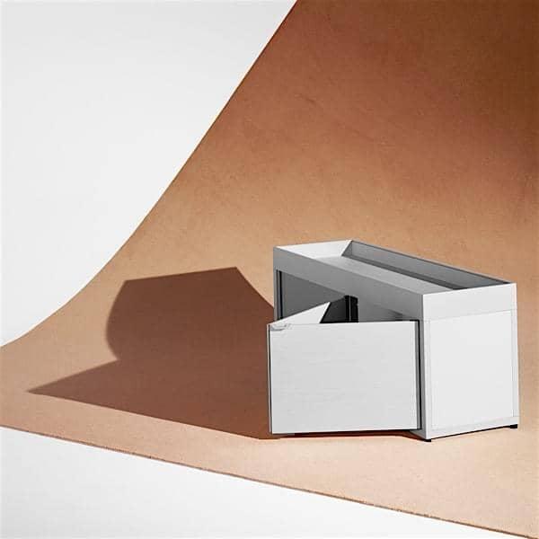 NEW ORDER, DIY: créer une composition de rangement simple ou complexe, et associez-y une table ou un bureau de caractère