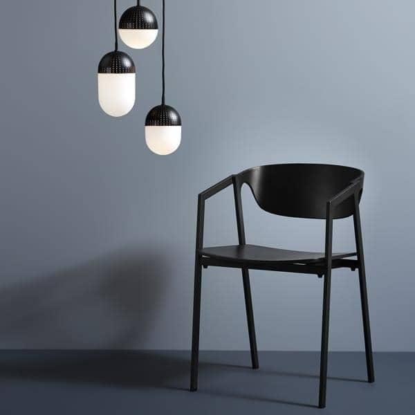 Der Stapelbare Stuhl SAC Holz Und Metall, Bietet Effiziente Komfort.