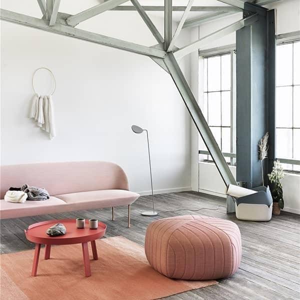 Le sofa OSLO 3 places, une silhouette fine et racée. Muuto