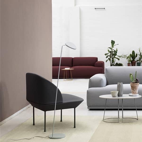 Le fauteuil OSLO, des formes arrondies et fines pour un confort maximum. Muuto