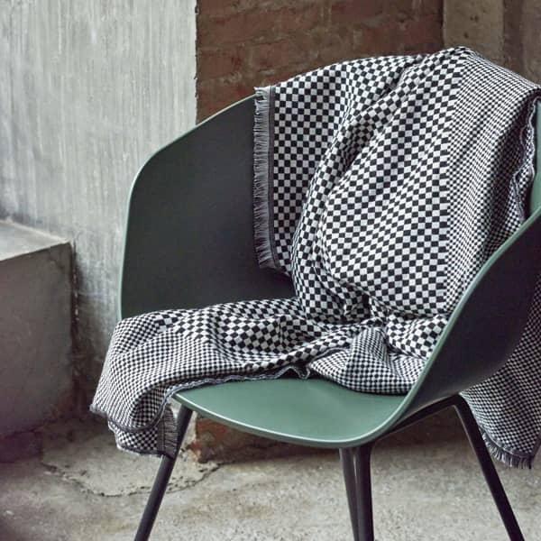 La chaise About a Chair par HAY - réf. AAC26 et AAC26 DUO - assise en polypropylène, piétement en acier cintré - HAY