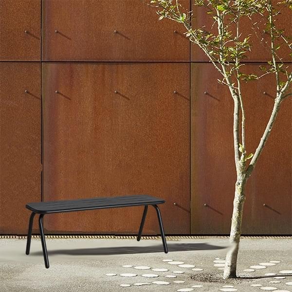 Banco de exterior RAY, diseño y resistente, por WOUD