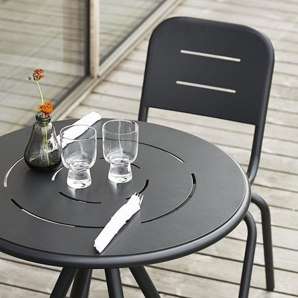 RAY屋外CAFによってÉテーブル、円形や正方形、 FASTING & ROLFFためWOUD