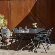 Gama de mesas de comedor al aire libre RAY, by WOUD