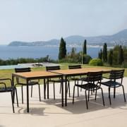 FOUR : שולחן אוכל בחוץ או שולחן גבוה, אלומיניום במבוק, על ידי HOUE.