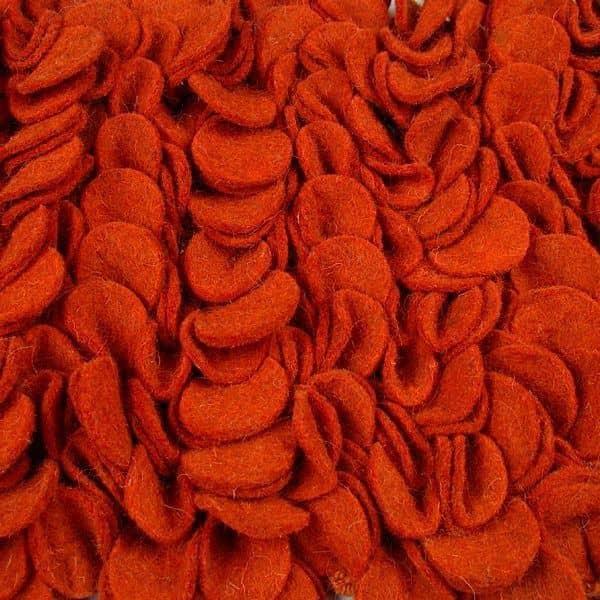Le tapis PETALES par HAY : un champ de douceur en pure laine - cosy