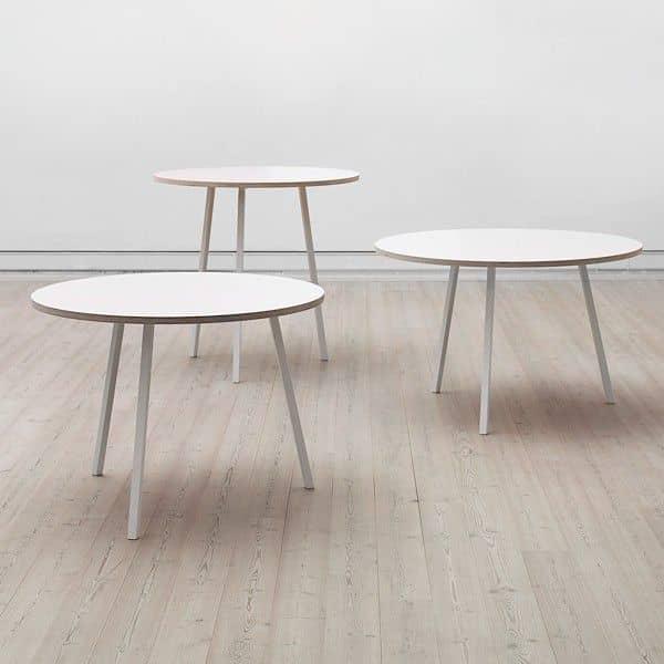 La Table Haute ronde LOOP par HAY est belle, facile à vivre et abordable