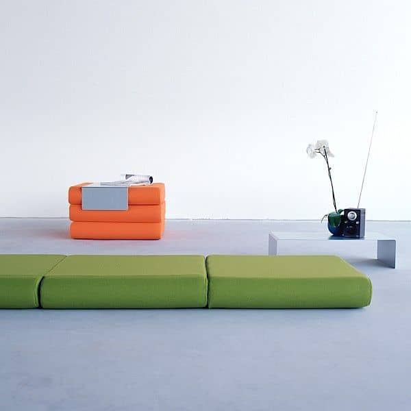 BINGO: ottoman, extra bed and side table: Versatile and smart! deco and design