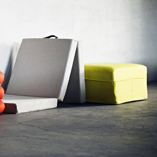 HANDY ist eine funktionelle Zusatzbett, und auch ein Puff, leicht zu bewegen, dank der integrierten Griff - Deko und Design, SOFTLINE