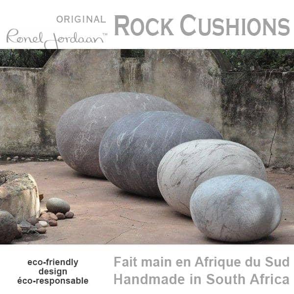 Les coussins-galets ROCK CUSHIONS, en Laine Mérinos, faits main en Afrique du Sud - 100% écologique