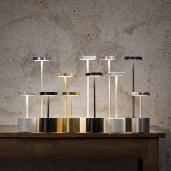 La Lampe sans fil LUCIOLE, à LED : Lampe de table pour un usage intérieur ou extérieur - nomade
